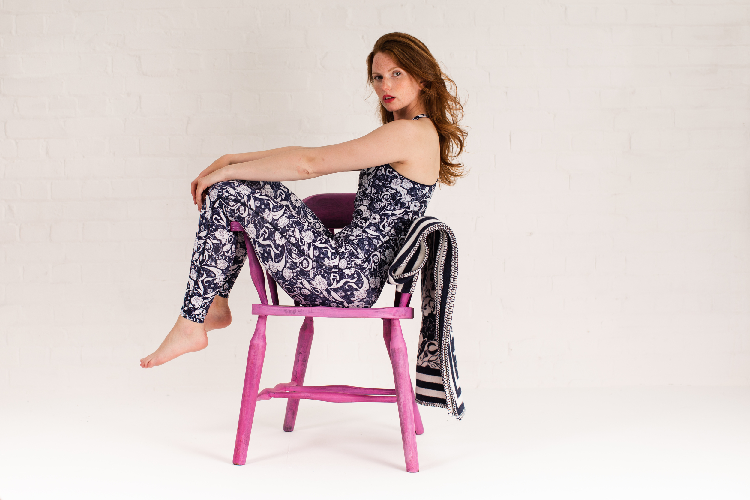 Recycled leggings and sport top navy floral